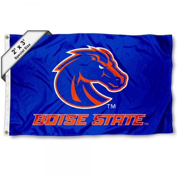 Boise State Small 2'x3' Flag measures 2x3 feet, is made of 100% polyester, offers quadruple stitched flyends, has two brass grommets, and offers printed Boise State logos, letters, and insignias. Our 2x3 foot flag is Officially Licensed by the selected university.