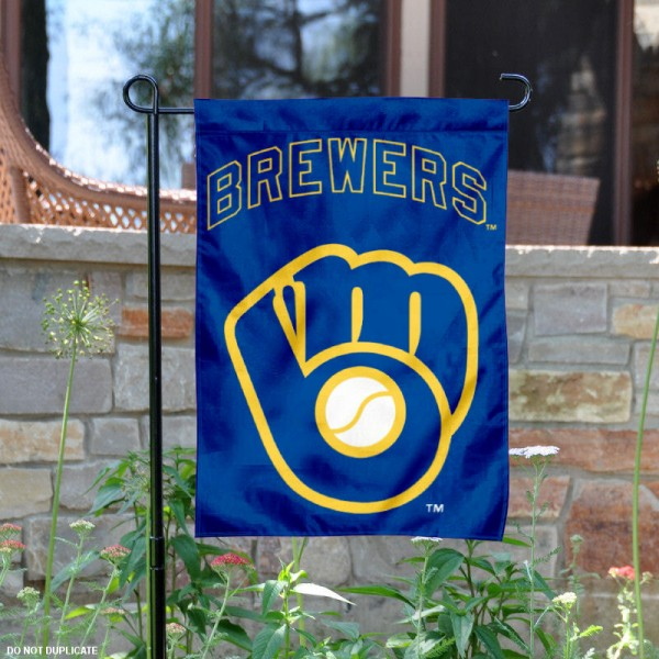 Brewers Retro Glove Logo Garden Flag is 12.5x18 inches in size, is made of 2-ply polyester, and has two sided screen printed logos and lettering. Available with Express Next Day Shipping, our Brewers Retro Glove Logo Garden Flag is MLB Genuine Merchandise and is double sided.