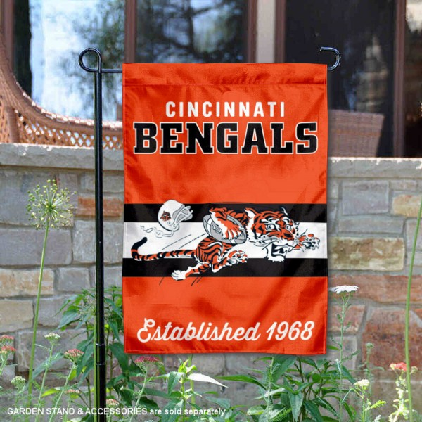 Cincinnati Bengals Throwback Logo Double Sided Garden Flag Flag is 12.5x18 inches in size, is made of 2-ply polyester, and has two sided screen printed logos and lettering. Available with Express Next Day Ship, our Cincinnati Bengals Throwback Logo Double Sided Garden Flag Flag is NFL Officially Licensed and is double sided.