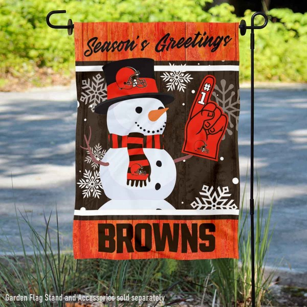 Cleveland Browns Holiday Winter Snow Double Sided Garden Flag is 12.5x18 inches in size, is made of 2-ply polyester, and has two sided screen printed logos and lettering. Available with Express Next Day Ship, our Cleveland Browns Holiday Winter Snow Double Sided Garden Flag is NFL Officially Licensed and is double sided.