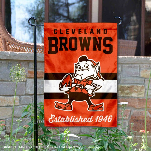 Cleveland Browns Throwback Logo Double Sided Garden Flag Flag is 12.5x18 inches in size, is made of 2-ply polyester, and has two sided screen printed logos and lettering. Available with Express Next Day Ship, our Cleveland Browns Throwback Logo Double Sided Garden Flag Flag is NFL Officially Licensed and is double sided.