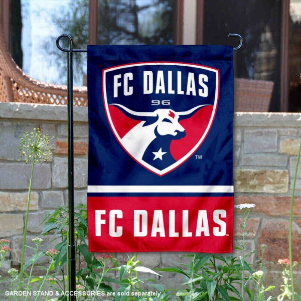 FC Dallas Garden Flag is 12.5x18 inches in size, is made of 2-ply polyester, and has two sided screen printed logos and lettering. Available with Express Next Day Shipping, our FC Dallas Garden Flag is MLS Genuine Merchandise and is double sided.