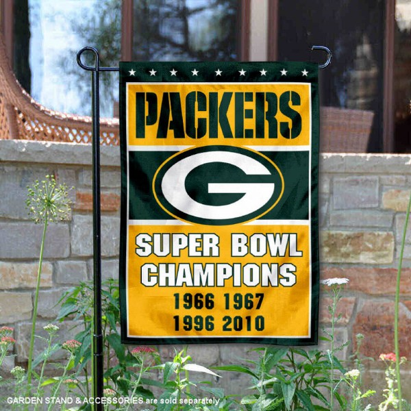 Green Bay Packers 4 Time Super Bowl Champs Garden Flag is 12.5x18 inches in size, is made of 2-ply polyester, and has two sided screen printed logos and lettering. Available with Express Next Day Ship, our Green Bay Packers 4 Time Super Bowl Champs Garden Flag is NFL Officially Licensed and is double sided.