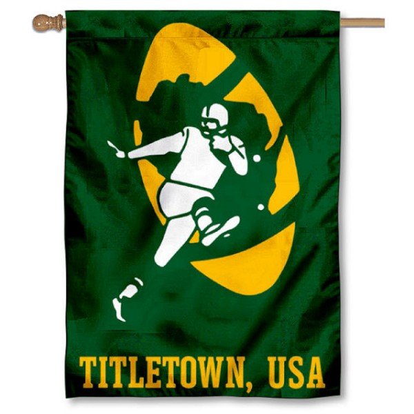 Green Bay Packers Retro Titletown USA House Banner is screen printed with Green Bay Packers logos, is made of 2-ply 100% polyester, and is two sided and double sided. Our banners measure 28x40 inches and hang vertically with a top pole sleeve to insert your banner pole or flagpole.