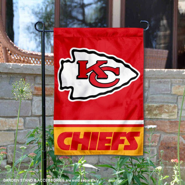 Kansas City Chiefs Garden Flag is 12.5x18 inches in size, is made of 2-ply polyester, and has two sided screen printed logos and lettering. Available with Express Next Day Ship, our Kansas City Chiefs Garden Flag is NFL Officially Licensed and is double sided.