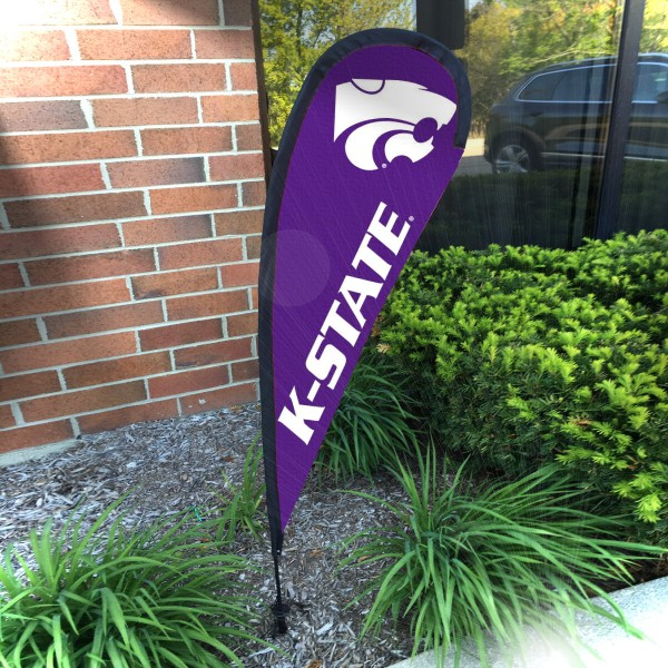 Kansas State Wildcats Feather Garden Flag measures a 4' tall when fully assembled and roughly 1' wide. The kit includes a Feather Flag, 2 Piece Fiberglass Pole, pole connector, and matching Ground Stake. Our Kansas State Wildcats Feather Garden Flag easily assembles and is NCAA Officially Licensed by the selected school or university.