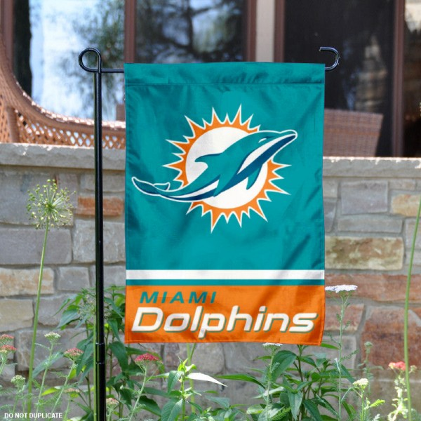 Miami Dolphins Garden Flag is 12.5x18 inches in size, is made of 2-ply polyester, and has two sided screen printed logos and lettering. Available with Express Next Day Ship, our Miami Dolphins Garden Flag is NFL Officially Licensed and is double sided.