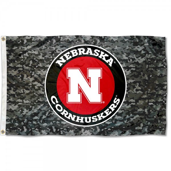 Nebraska Cornhuskers Camo Flag measures 3x5 feet, is made of 100% polyester, offers quadruple stitched flyends, has two metal grommets, and offers screen printed NCAA team logos and insignias. Our Nebraska Cornhuskers Camo Flag is officially licensed by the selected university and NCAA.
