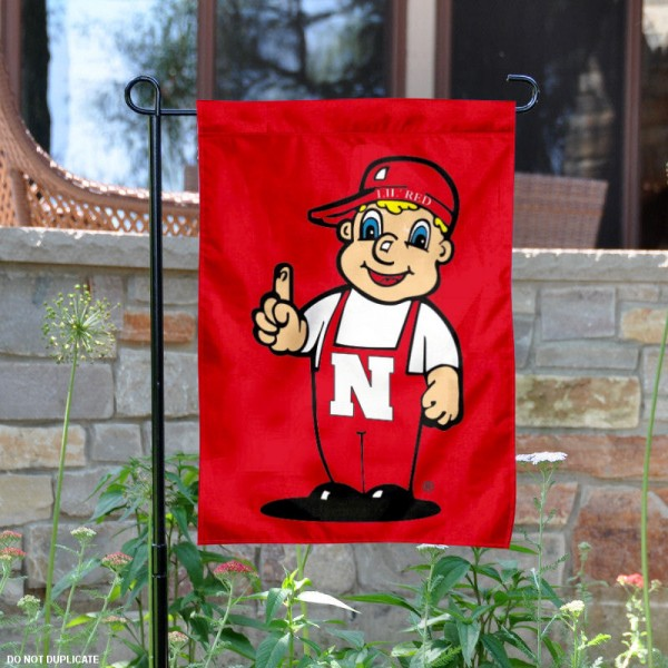 Nebraska Huskers Lil Red Garden Flag is 13x18 inches in size, is made of 2-layer polyester, screen printed university athletic logos and lettering. Available with Same Day Express Shipping, our Nebraska Huskers Lil Red Garden Flag is officially licensed and approved by the university and the NCAA.