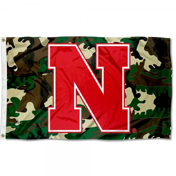 Nebraska Huskiers Camouflage Flag measures 3x5 feet, is made of 100% polyester, offers quadruple stitched flyends, has two metal grommets, and offers screen printed NCAA team logos and insignias. Our Nebraska Huskiers Camouflage Flag is officially licensed by the selected university and NCAA.