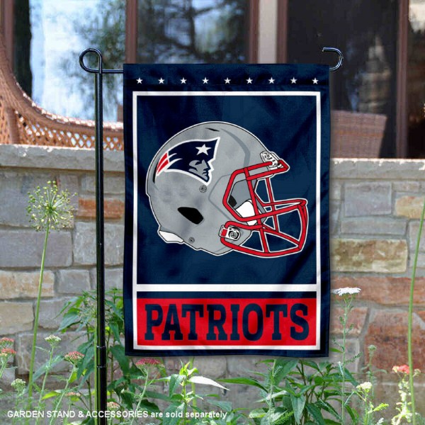 New England Patriots Football Garden Banner Flag is 12.5x18 inches in size, is made of 2-ply polyester, and has two sided screen printed logos and lettering. Available with Express Next Day Ship, our New England Patriots Football Garden Banner Flag is NFL Officially Licensed and is double sided.