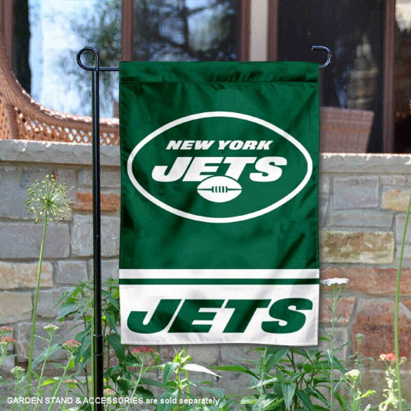 New York Jets New Logo Garden Banner Flag is 12.5x18 inches in size, is made of 2-ply polyester, and has two sided screen printed logos and lettering. Available with Express Next Day Ship, our New York Jets New Logo Garden Banner Flag is NFL Officially Licensed and is double sided.