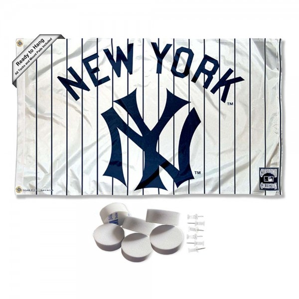 Our New York Yankees Vintage Pinstripes Banner Flag with Tack Wall Pads is double sided, made of poly, 3'x5', has two metal grommets, indoor or outdoor, and four-stitched fly ends. These New York Yankees Vintage Pinstripes Banner Flag with Tack Wall Padss are Officially Approved by the Boston Bruins. Tapestry Wall Hanging Tack Pads which include a 6 pack of banner display pads with 6 tacks allowing you to hang your pennant on any wall damage-free.