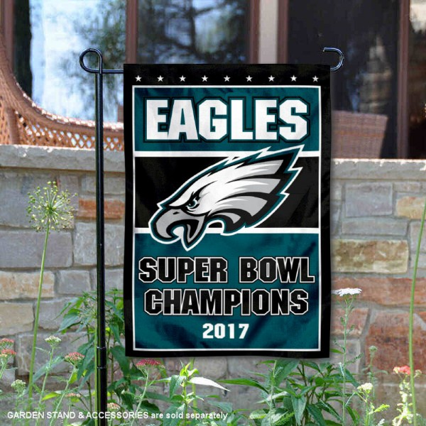 Philadelphia Eagles 2017 Super Bowl Champs Garden Flag is 12.5x18 inches in size, is made of 2-ply polyester, and has two sided screen printed logos and lettering. Available with Express Next Day Ship, our Philadelphia Eagles 2017 Super Bowl Champs Garden Flag is NFL Officially Licensed and is double sided.