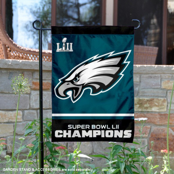Philadelphia Eagles Super Bowl LII Champions Double Sided Garden Flag is 12x18 inches in size, is made of thick 1-ply 300D triple spun polyester, and has two sided screen printed logos and lettering. Available with Express Next Day Ship, our Philadelphia Eagles Super Bowl LII Champions Double Sided Garden Flag is NFL Officially Licensed and is double sided.