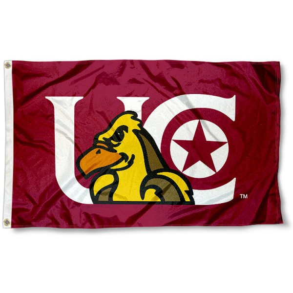 University of Charleston Flag measures 3'x5', is made of 100% poly, has quadruple stitched sewing, two metal grommets, and has double sided Team University logos. Our Golden Eagles 3x5 Flag is officially licensed by the selected university and the NCAA.
