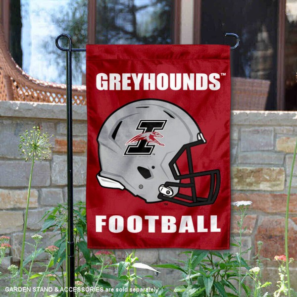 University of Indianapolis Football Helmet Garden Banner is 13x18 inches in size, is made of 2-layer polyester, screen printed University of Indianapolis athletic logos and lettering. Available with Same Day Express Shipping, Our University of Indianapolis Football Helmet Garden Banner is officially licensed and approved by University of Indianapolis and the NCAA.