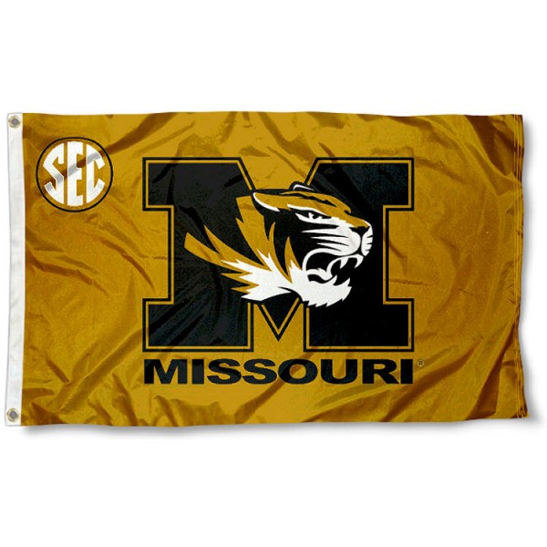 University of Missouri SEC Flag measures 3'x5', is made of 100% poly, has quadruple stitched sewing, two metal grommets, and has double sided Team University logos. Our University of Missouri SEC Flag is officially licensed by the selected university and the NCAA.