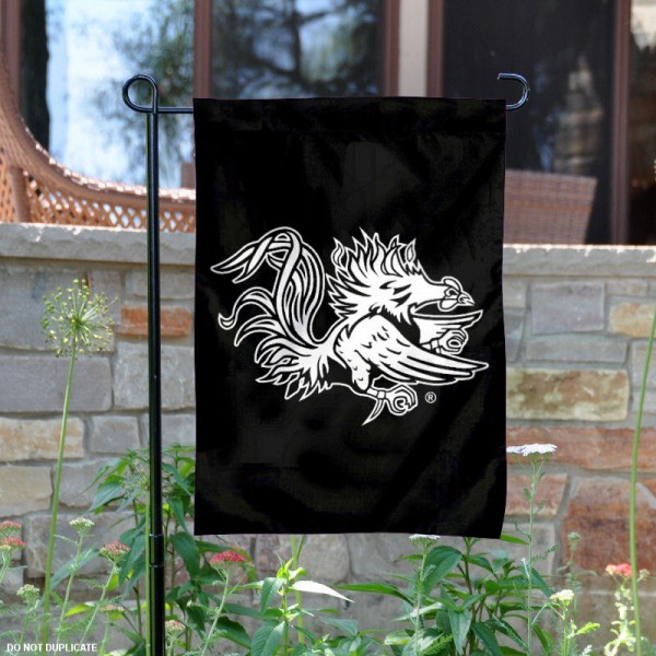 University of South Carolina Black Garden Flag is 13x18 inches in size, is made of 2-layer polyester, screen printed university athletic logos and lettering, and is readable and viewable correctly on both sides. Available same day shipping, our University of South Carolina Black Garden Flag is officially licensed and approved by the university and the NCAA.