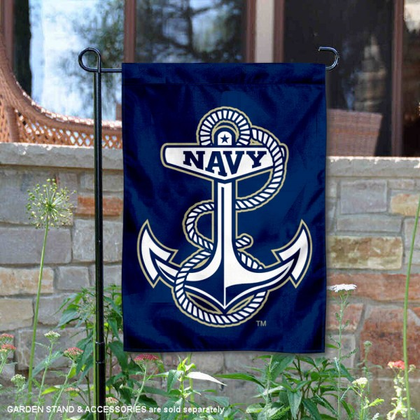 US Navy Anchor Garden Flag is 13x18 inches in size, is made of 2-layer polyester, screen printed university athletic logos and lettering, and is readable and viewable correctly on both sides. Available same day shipping, our US Navy Anchor Garden Flag is officially licensed and approved by the university and the NCAA.