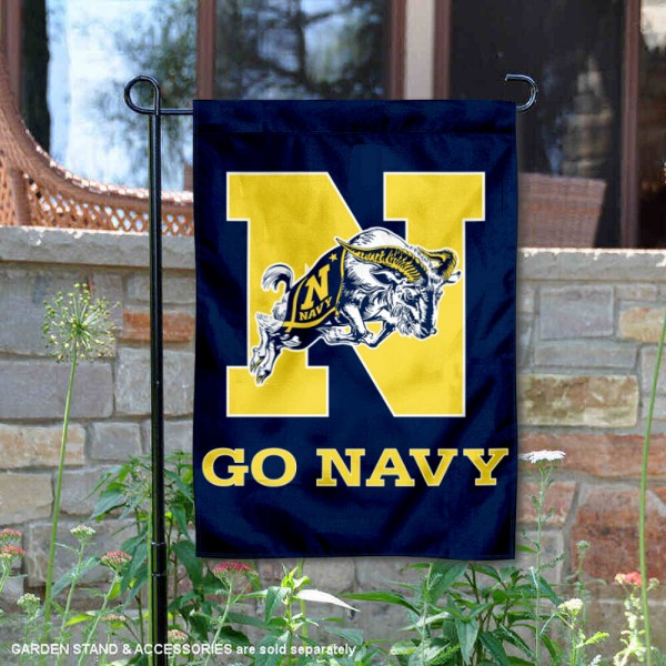 US Navy Garden Flag is 13x18 inches in size, is made of 2-layer polyester, screen printed US Navy athletic logos and lettering. Available with Same Day Express Shipping, Our US Navy Garden Flag is officially licensed and approved by US Navy and the NCAA.